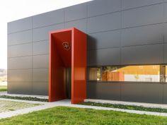 USM Haller at Victorinox's German offices in Waldshut  #ArchiJuice #OfficeDesign