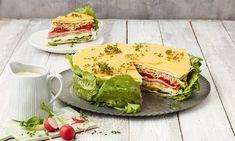 Salattorte Rezepte: Das beste Rezept für einen Schichtsalat mit frischem Salat, Käse und herzhaftem Schinken. Die pikante Torte ist garantiert ein Hingucker auf jeder Feier.   Dr. Oetker Avocado Toast, Sandwiches, Bbq, Breakfast, Dressings, Wraps, Easter, Snacks, Vegan