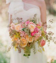 Gorgeous bouquet. I couldn't imagine dreamier colours