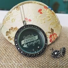 Origami Owl. January 2017 Hostess exclusive gift. www.CharmingLocketsByAline.OrigamiOwl.com