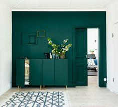 Home Sweet Home: with Ikea Ivar pedestals – decor Dark Green Living Room, Green Rooms, New Living Room, Living Room Decor, Green Walls, Green Furniture, Painted Furniture, Furniture Ideas, Door Furniture