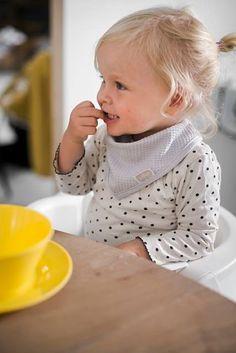 Jollein bandana *Wafel vintage* - BellyBloz - Baby & zwangerschap artikelen Bandana Bib, Waffle Knit, Polka Dot Top, Babyshower, Sewing, Knitting, Mini, Amsterdam, Face
