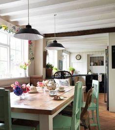 40 Creative Farmhouse Decoration Ideas | http://art.ekstrax.com/2015/08/creative-farmhouse-decoration-ideas.html