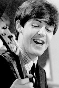"beatlesy: "" ""Paul McCartney performing on Thank Your Lucky Stars at ATV Studios in Birmingham, 15 December, "" "" My Love Paul Mccartney, Lennon And Mccartney, Linda Mccartney, Beatles Band, John Lennon Beatles, Music Genius, The White Album, Sir Paul, Liverpool"