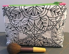 Zippered makeup pouch and pencil pouch tutorials Small Sewing Projects, Sewing Projects For Beginners, Sewing Hacks, Sewing Tutorials, Sewing Crafts, Bag Tutorials, Bag Patterns To Sew, Sewing Patterns, Zipper Pouch Tutorial