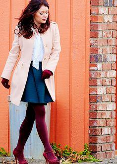 """ Emilie de Ravin filming Once Upon a Time in Steveston | November 18, 2014 (x) """