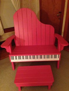 Love the great color and the piano-inspired design of this bench and footstool made from recycled pallets. The Piano, Piano Art, Piano Music, Music Wall, Music Furniture, Diy Furniture, Painted Chairs, Painted Furniture, Metal Chairs