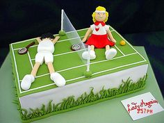 Kat- without the people, and with extra balls?/ Tennis Court Cake cakepins.com