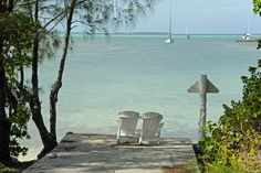 We recently had a lot of fun with our cameras during our visit to Hope Town. Elbow Cay is the most scenic and charming island we have visited in the Abacos.