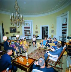 1963-05-21: JFK and Jackie meet with the astronauts and their wives.
