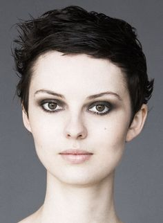Bumble and Bumble | Short Hair | Prep and Sumotech | sb_SHORT_Calixte_01_380x520.jpg (380×520)