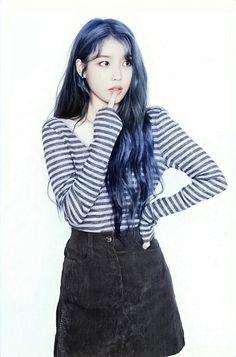 Korean Star, Korean Girl, Korean Beauty, Asian Beauty, Mamamoo, Iu Twitter, Dark Blue Hair, Korean Actresses, Korean Singer