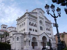 Monaco – ein Stadtstaat am Meer. Den ganzen Artikel gibt es auf meinem Blog. :) #monaco #südfrankreich #france #frankreich #stadtstaat #mittelmeer #cotedazur #reich #schön