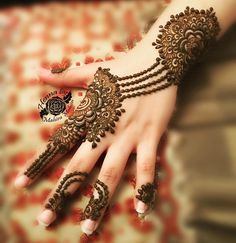 "1,653 Likes, 11 Comments - HennaByMahiraMohsin (@mahiramohsin) on Instagram: ""Henna 💎✨ For appointments in Dubai call or whatsapp +971568783548 #henna #hennainspire #dubai…"""