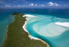 Aerial view of Whitehaven Beach, Whitsunday Island, Queensland, Australia (© HP Huber/Huber/4Corners Images)