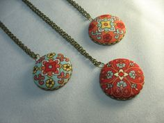 Fabric button necklace ... beautiful fabric by lennonsleadinglady, $16.00