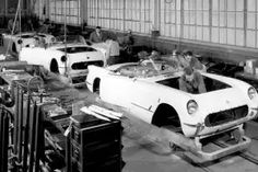 1953 Corvette assembly line at work, 235 cu in 6 cyl, auto trans and WHITE, no other color for Retro Cars, Vintage Cars, Vintage Auto, Classic Trucks, Classic Cars, Assembly Line, Gm Car, Michigan Travel, Chevrolet Corvette