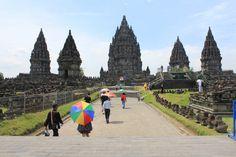 Candi Prambanan. Monumen Hindu terbesar di Asia Tenggara yang menjadi salah satu ikon wisata Jogja