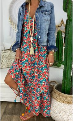hippie outfits 755338168734184644 - Robe Aure Corail Little Flowers Source by mademoiselletataroula Fashion Over 50, Look Fashion, Hippie Fashion, Spring Summer Fashion, Spring Outfits, Summer Maxi, Summer Dresses, Mode Outfits, Fashion Outfits