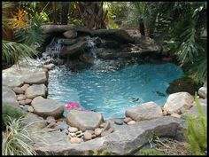 42 Awesome Natural Small Pools Design Ideas Best for Private Backyard - Garten - Piscinas Small Backyard Pools, Small Pools, Pool Decks, Kleiner Pool Design, Small Pool Design, Small Pool Ideas, Deck Design, Pool Shapes, Natural Swimming Pools