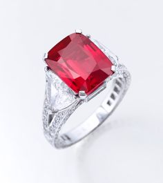 The Graff Ruby sold for $8.6 million; very close to the top of its pre-sale estimate. Courtesy of Sotheby's. GIA (022515)