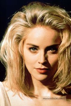 A gallery of Basic Instinct publicity stills and other photos. Featuring Sharon Stone, Michael Douglas, Jeanne Tripplehorn, Leilani Sarelle and others. Beautiful Celebrities, Beautiful Actresses, Beautiful Women, Sharon Stone Photos, Basic Instinct, Hollywood Celebrities, Up Girl, Hollywood Stars, Hair Beauty