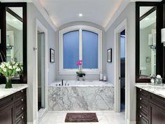 Elegant Master Bathroom Layout for Small Room