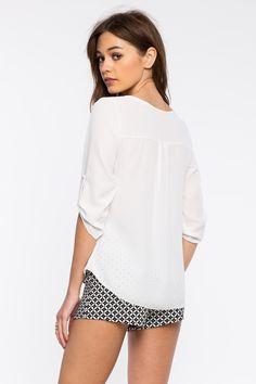 Блуза Размеры: S, M Цвет: белый Цена: 1353 руб.     #одежда #женщинам #блузы #коопт