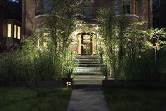 Bin-scarth, Toronto, Ontario View of the garden from the street Garden Landscape Design, Landscape Architecture, Garden Landscaping, Bamboo Planter, Planters, Front Gardens, Front Entry, Landscape Lighting, Garden Plants