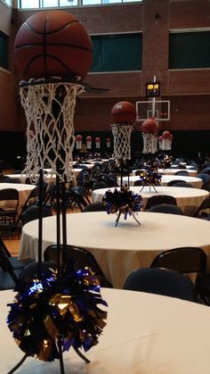 (Basketball Centerpieces) my type of party! I love basketball Basketball Decorations, Banquet Decorations, Banquet Ideas, Retirement Decorations, Sports Centerpieces, Basketball Tricks, Basketball Nets, Basketball Season, Basketball Legends