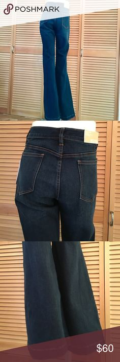 """MK Selma flare stretch mid rise dark wash jeans NWT Michael Kors flare jeans in size 8. 72% cotton, 13% polyester, 13% viscose, 2% elastane. Has stretch. Is soft and comfortable. 5 pocket, zip and button closure. Laying flat measurements: 15.25"""" across waist, 9.25"""" rise, 34"""" inseam, 11.75"""" leg opening MICHAEL Michael Kors Jeans Flare & Wide Leg"""