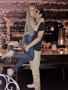 Don't you just love hearing how couples met? In this post you can read all about our meet-cute and our love story! Relationship Images, Cute Relationships, Relationship Goals, Perfect Boyfriend, Boyfriend Goals, Poses For Pictures, Couple Pictures, Family Goals, Couple Goals