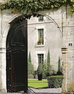 welcome to my (I wish) beautiful garden!! Love the gate and stunning home!!