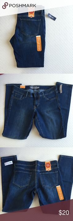 Rockstar Super Skinny Jeans NWT Super Skinny Jeans! Medium wash. Ask any questions! Old Navy Jeans Skinny