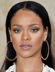 rihanna - Google Search Rihanna, Hoop Earrings, Google Search, Jewelry, Jewellery Making, Jewerly, Jewelery, Jewels, Jewlery