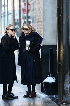 Mary-Kate and Ashley Olsen - Page 44 - the Fashion Spot Mary Kate Olsen, Mary Kate Ashley, Looks Style, Style Me, Olsen Twins Style, Ashley Olsen Style, All Black Everything, Sarah Jessica Parker, Style Icons