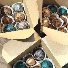 Christmas Classes // As well as the buttercream cakes we also made some festive lustred truffles. Button Cake, Cake Decorating Classes, Online Tutorials, Buttercream Cake, Truffles, Festive, Sugar, Cakes, Instagram Posts