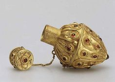 Perfume Flask  Late 2nd -3d century CE.  Gold, garnet