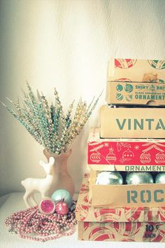 *Lovely Clusters - The Pretty Blog: Mood Board: Vintage Christmas Colors