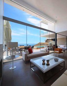 Contemporary Style Beach House interior