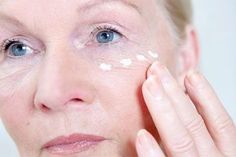 Wrinkle Treatment – Try These Simple and Effective Home Remedies for Wrinkles Vicks Vaporub, Home Remedies For Wrinkles, Les Rides, Find Image, Hair Beauty, Nutrition, Inspirer, Spinach Pie, Keep Fit