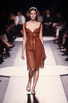 Alberta Ferretti Spring 2000 Ready-to-Wear Fashion Show