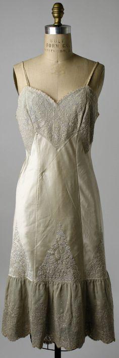 Slip, belonged to Mrs. Herbert Sage Mesick: early 1920's, Chinese, silk, linen.