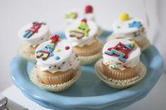 Kikids Party: cupcakes para festa Monstrinhos com decoração de Twinkle Twinkle Little Party - www.kikidsparty.com.br