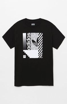 Change it up on top in this throwback-inspired graphic tee by adidas. The Regrade T-Shirt has a crew neck, short sleeves, and a custom brand graphic on the front. Gents T Shirts, Mens Polo T Shirts, Boys T Shirts, Camisa Adidas, Adidas Shirt, Adidas Men, Sneakers Adidas, Adidas Logo, Shirt Print Design