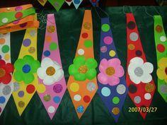 Corbata de payaso1 Clown Crafts, Circus Crafts, Carnival Crafts, Puppet Crafts, Hat Crafts, Carnival Themes, Diy And Crafts, Crafts For Kids, Arts And Crafts