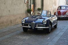 https://flic.kr/p/dukFFd   Alfa Romeo Giulietta Spider   Presente al 1° Raduno Auto Storiche di Ovada in passerella sul lastricato del centro storico del paese