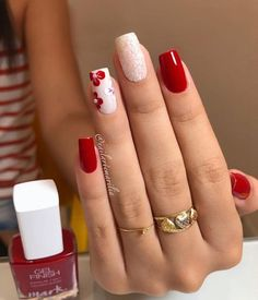 The image may contain: one or several people and close-up – Haare schneiden Mode… - Fingernägel Elegant Nails, Classy Nails, Stylish Nails, Simple Nails, Manicure Nail Designs, Manicure E Pedicure, Square Acrylic Nails, Cute Acrylic Nails, Bling Nails