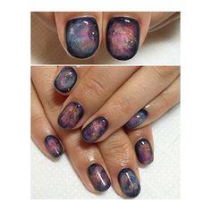 Super nails colors trends hair and Ideas Gem Nails, Nail Manicure, Polka Dot Nails, Polka Dots, Mary Janes, Nail Candy, Diy Nail Designs, Minimalist Nails, Super Nails