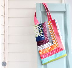Simply Color Tote - mini Tutorial - The Sewing Rabbit